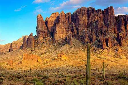 Photo of Superstition Mountain in Arizona